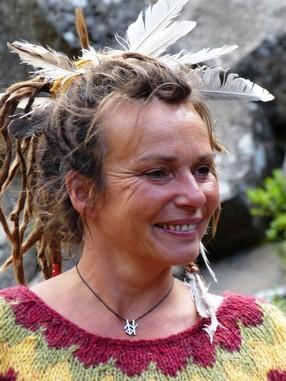 Thelma macht Frauenarbeit im Urlaubsseminar